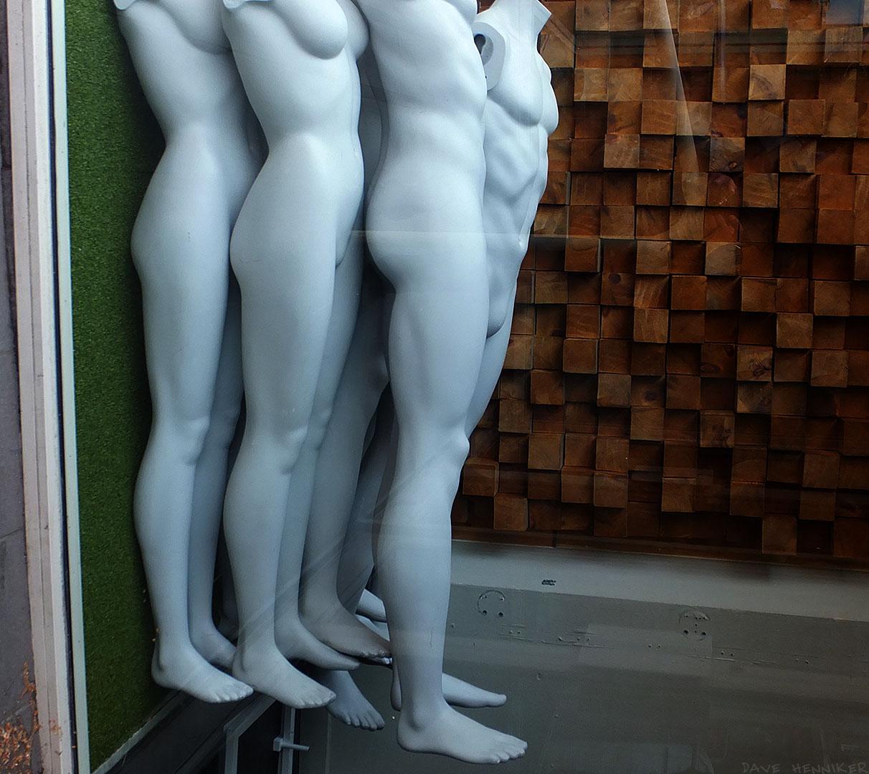 FrederickSt_mannequins