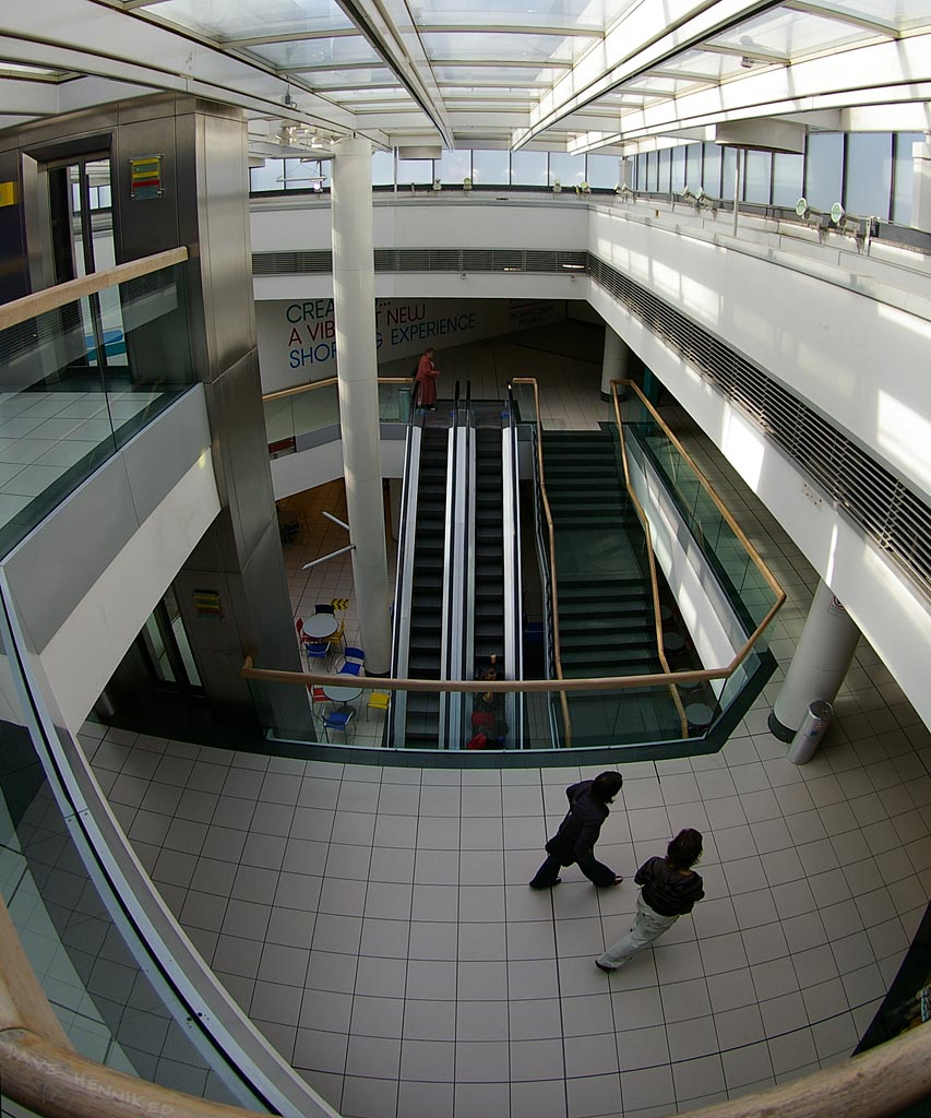 wav-mall01