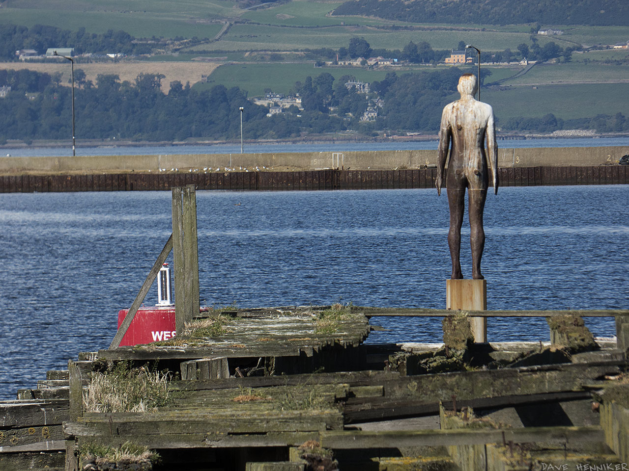 This Gormley statue is outlasting others in the Water of Leith. Use of a long lens makes Fife look much closer than it actually is.