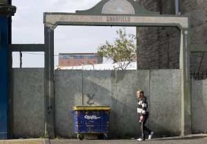 I didn't know for sure if Swanfield is / was an industrial estate. It seems to be so as confirmed by a PDF found when googling. This entrance from Great Junction Street looks disused.
