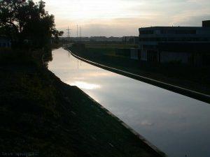 U-canal000903-1836-32