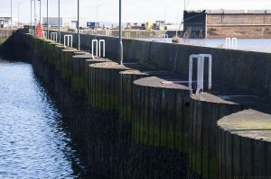 The same tidal wall as in the previous picture but seen through a long lens on the seaward side.