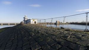 A wide angle view as I approached the lighthouse.