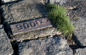 Matching the other metal plaque (W Harbour 46LX5) is this one which says '900FT' instead of '3500FT'.