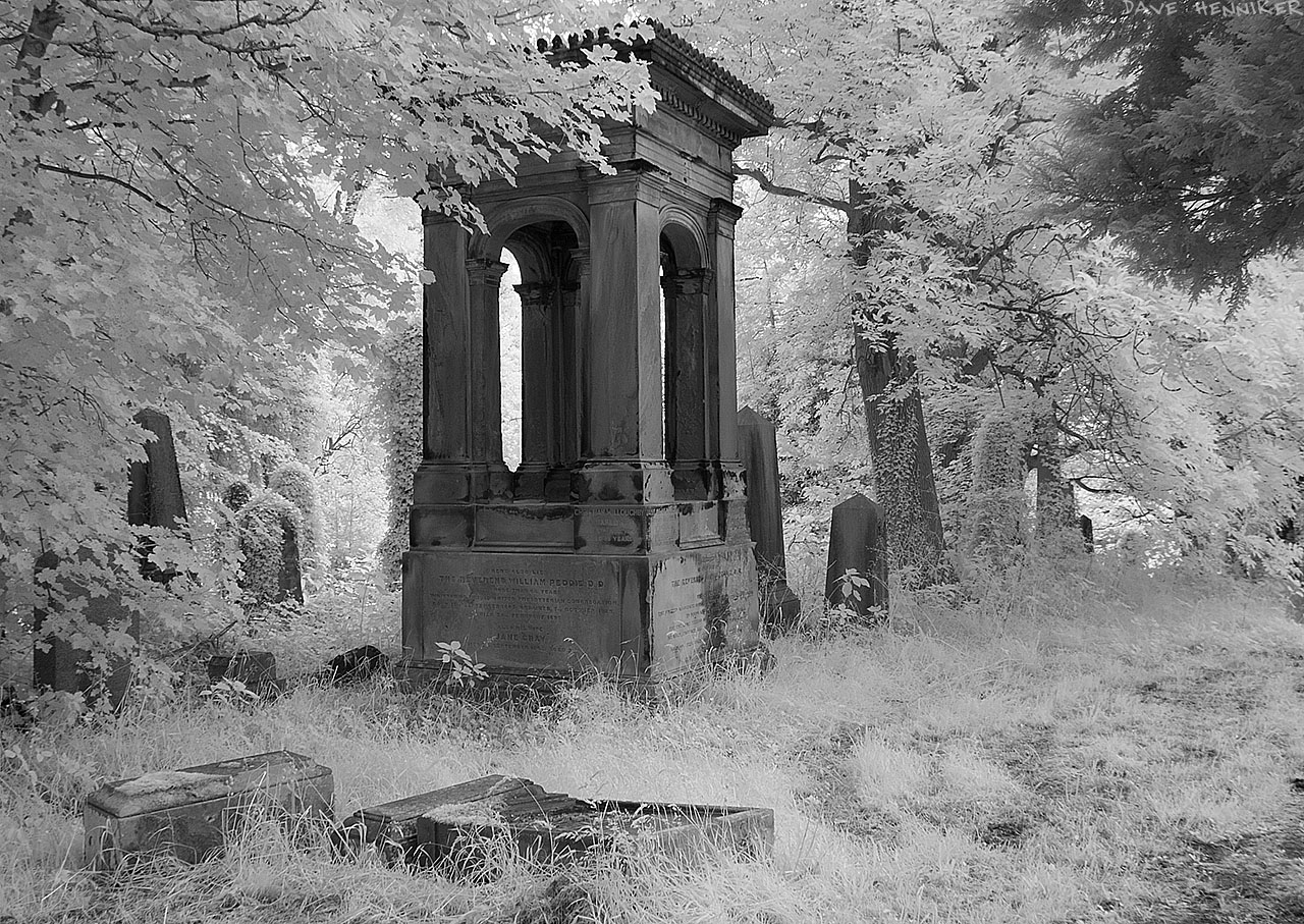 WarristonCemeteryIR30