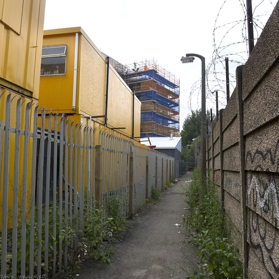 Westfield_Houses_footpath