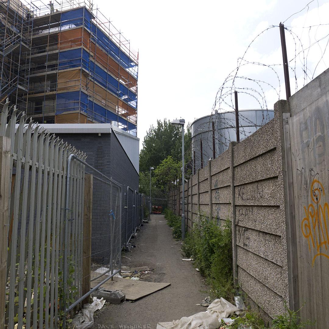 Westfield_Houses_footpath02