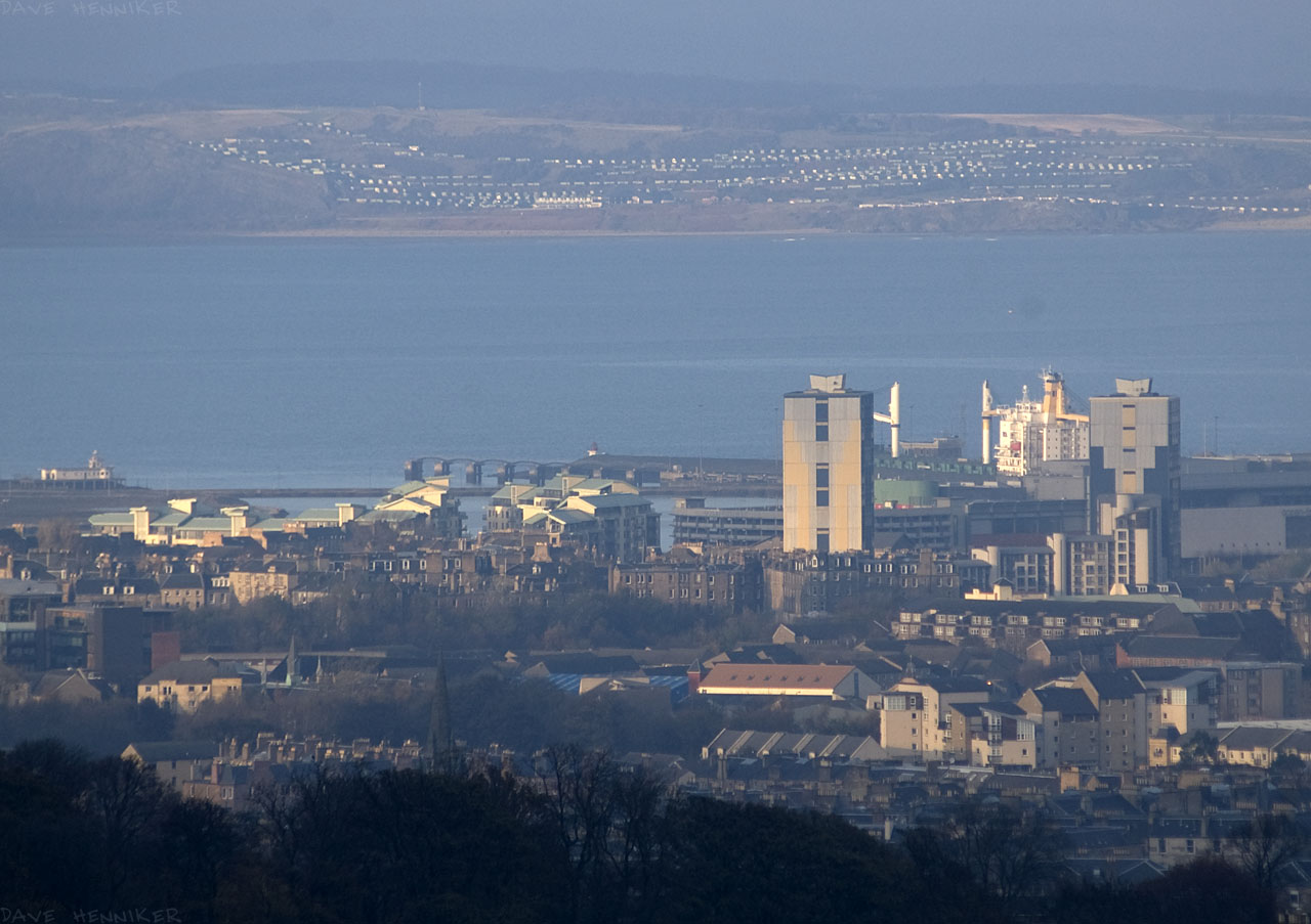 The same but zoomed in more. The caravan park across the Firth of Forth at Kinghorn is clearly visible.