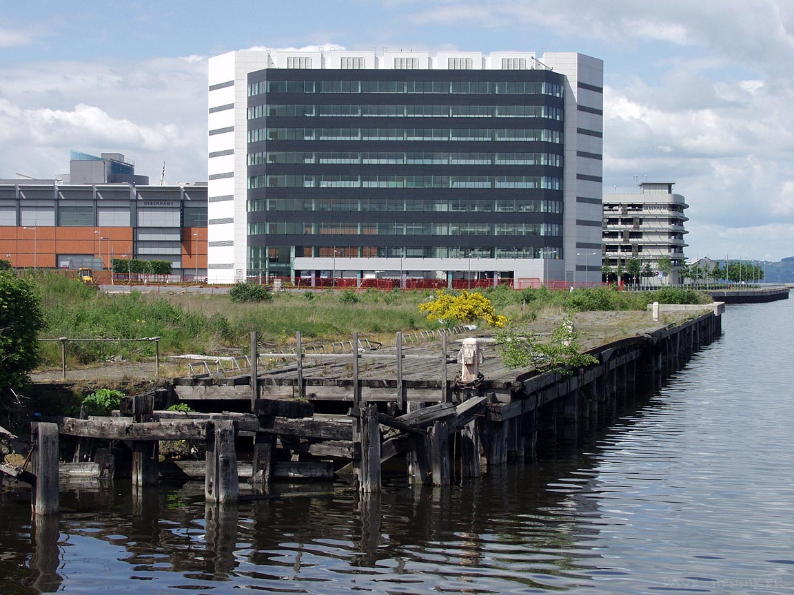A view from the most westerly corner of Victoria Dock towards its entrance. This is blocked to all but ducks and seagulls by the Ocean Drive bridge. This may be intentional as Victoria Dock is at the rear of the Scottish Executive building.