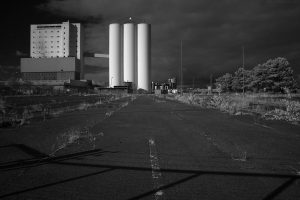 In this second infrared view can be seen the shadow of the gate I poked my lens through.