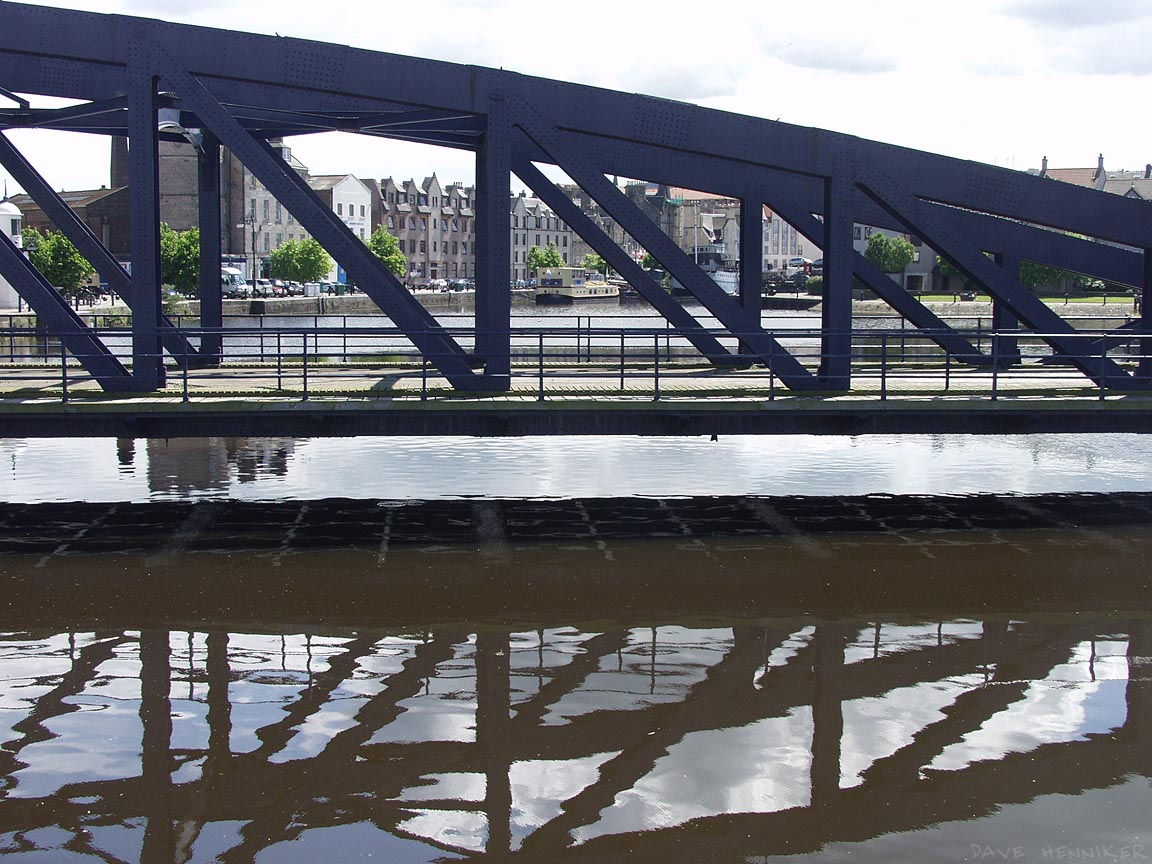 The swing bridge with the Shore behind.