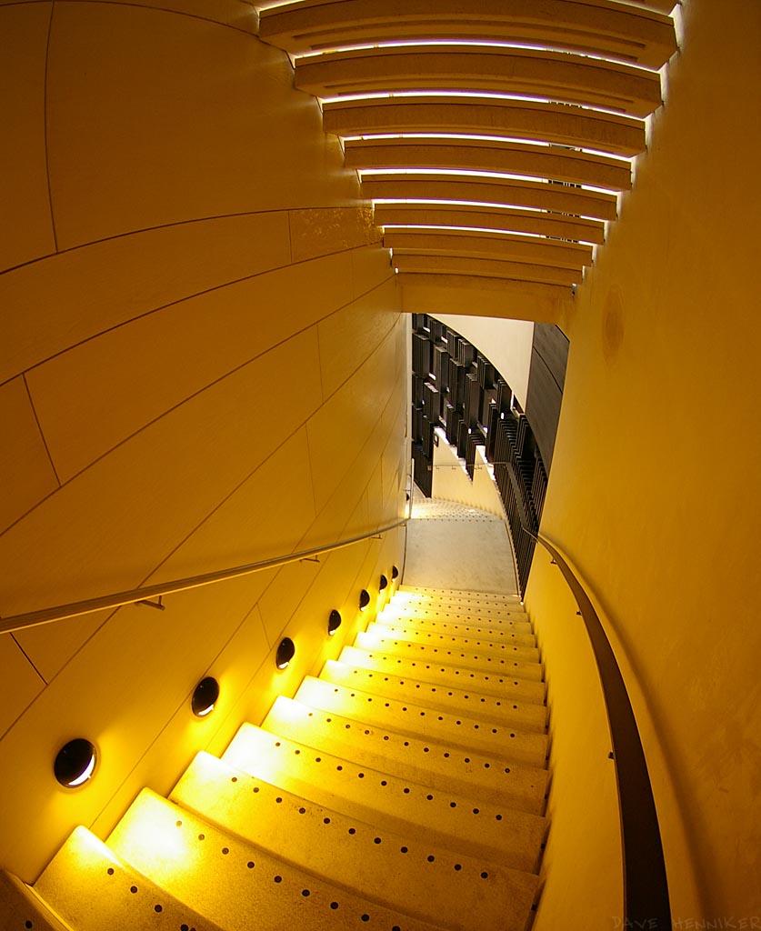 museum_stair00