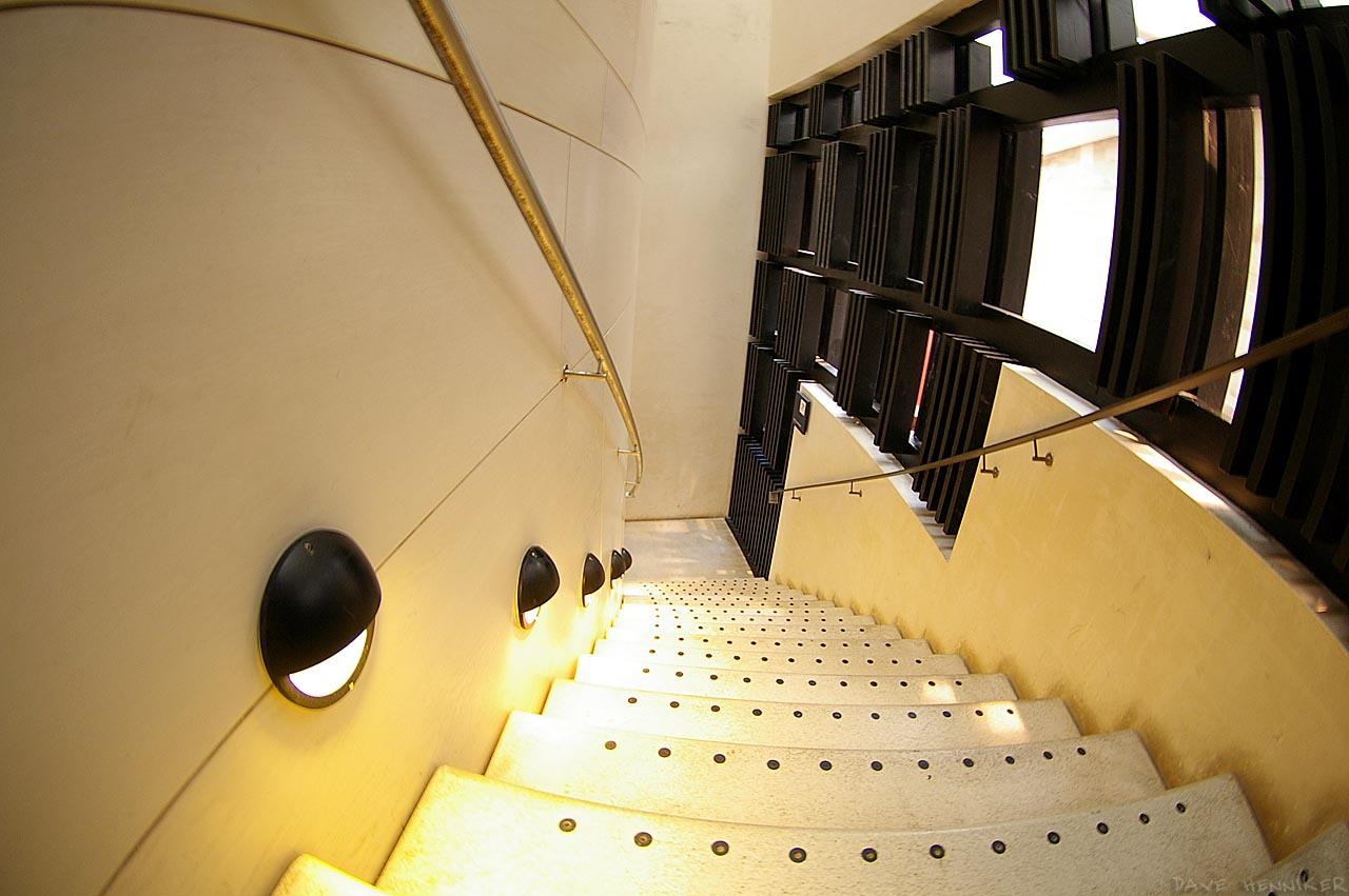 museum_stair01