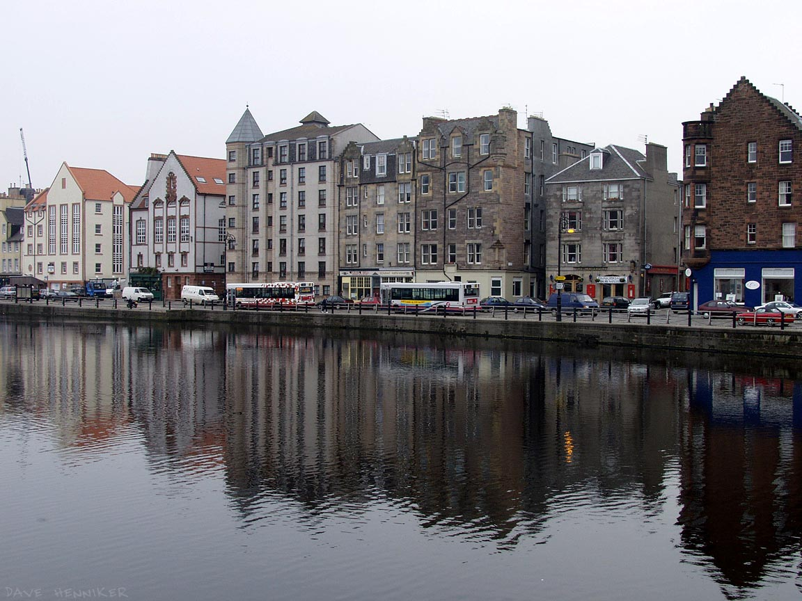 The road called Shore which runs along the east side of the Water of Leith river as it approaches the docks. Looking quite Dutch in these pictures.