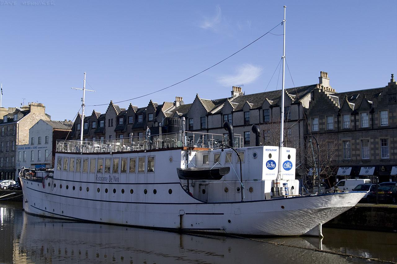 shore_10-01boat
