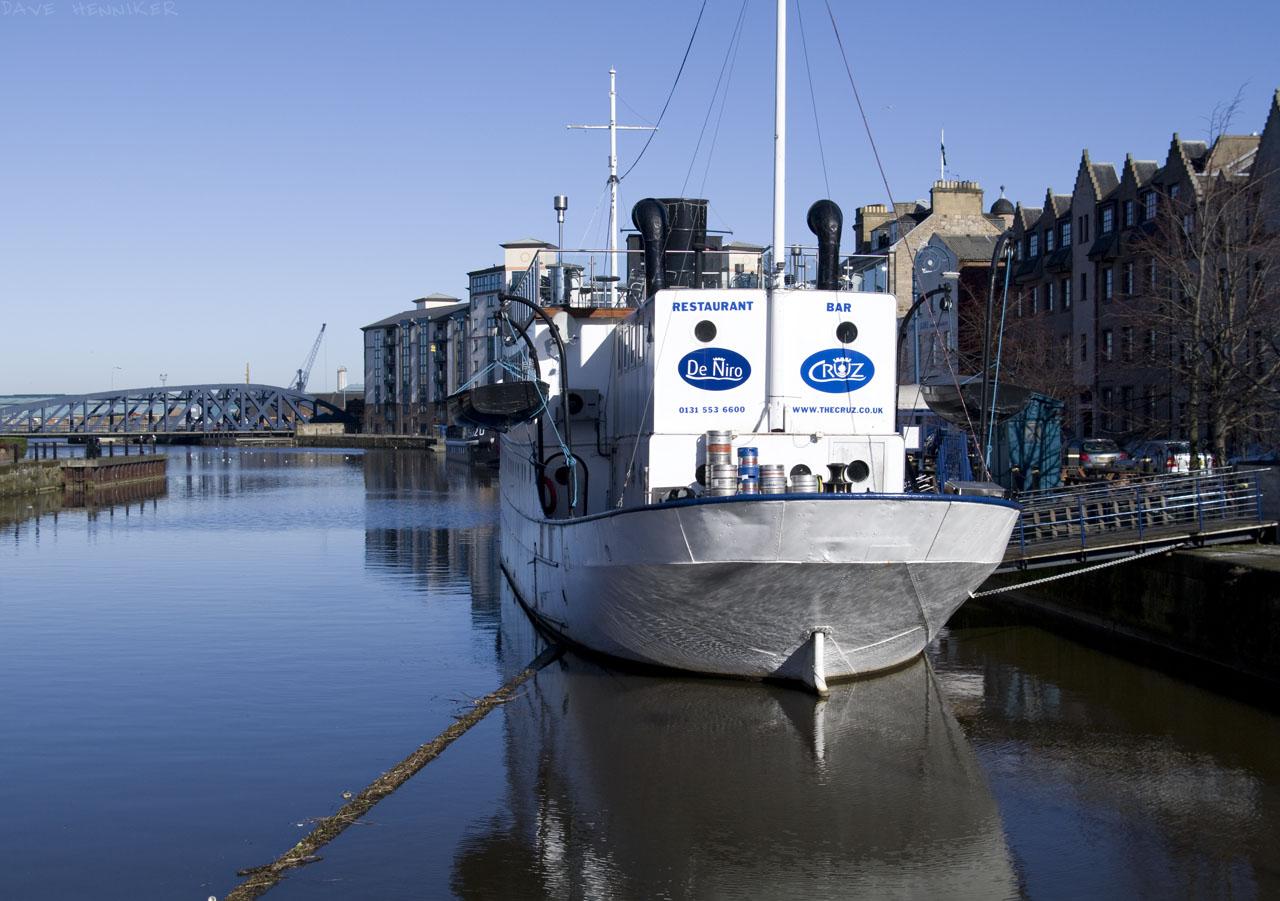 shore_10-03boat