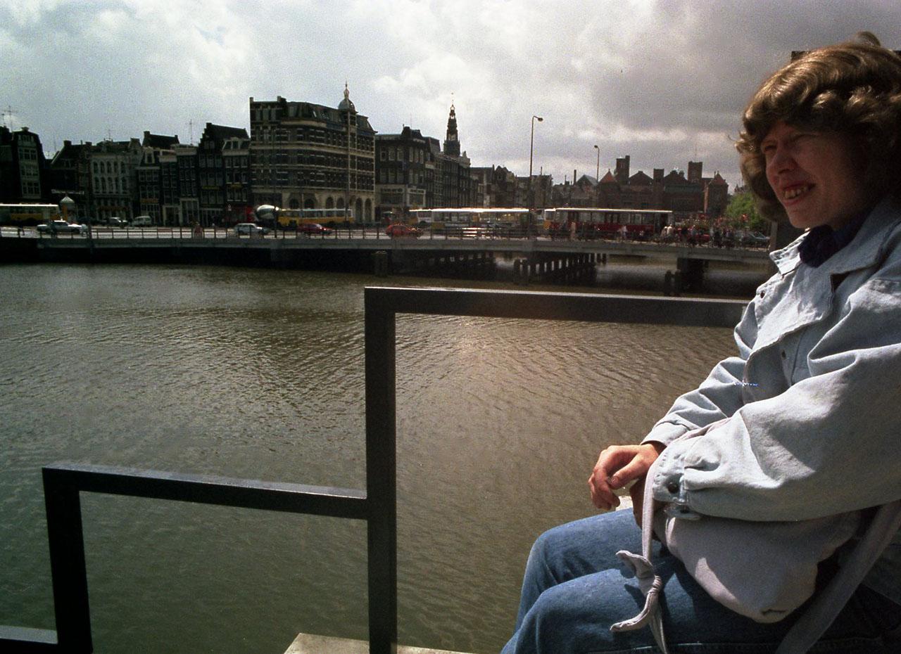 Amsterdam(a)