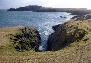 16 Gully, Loch an t-Siumpain