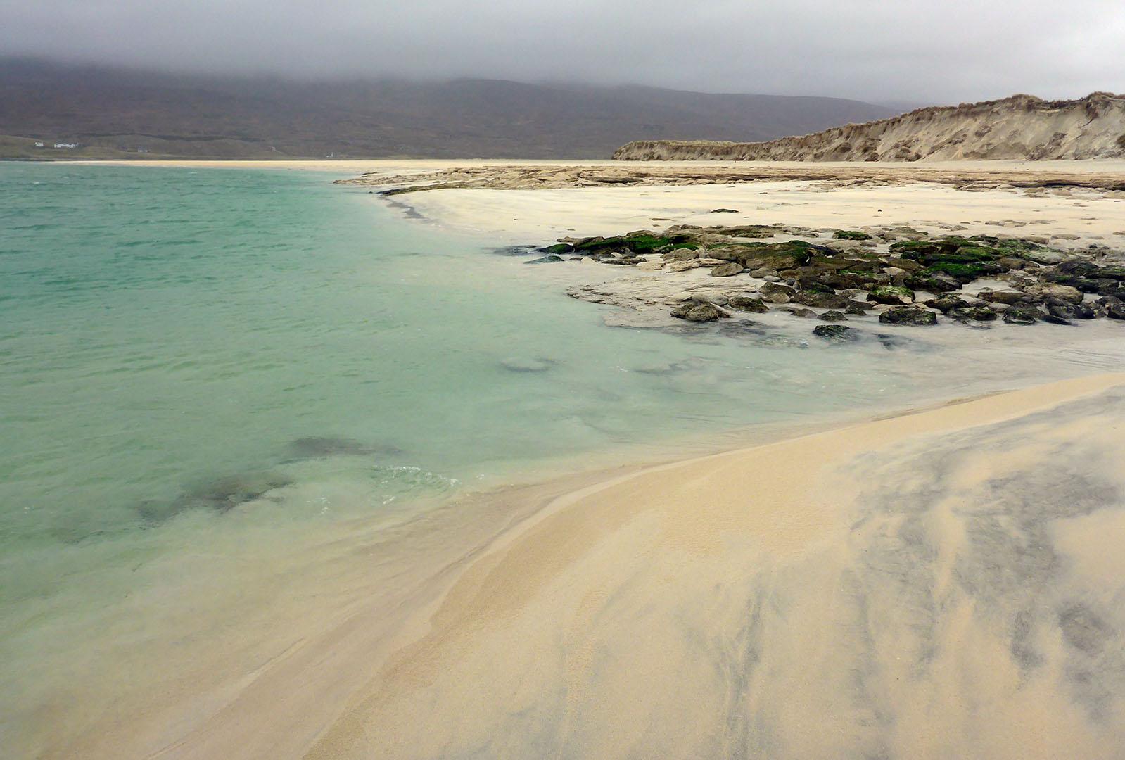142 Seilebost sand boulders & dunes