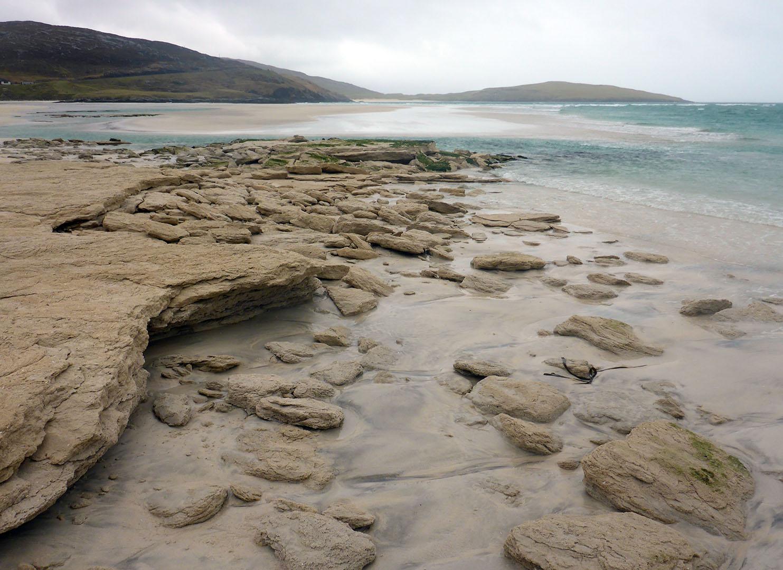 52 Seilebost sand boulders