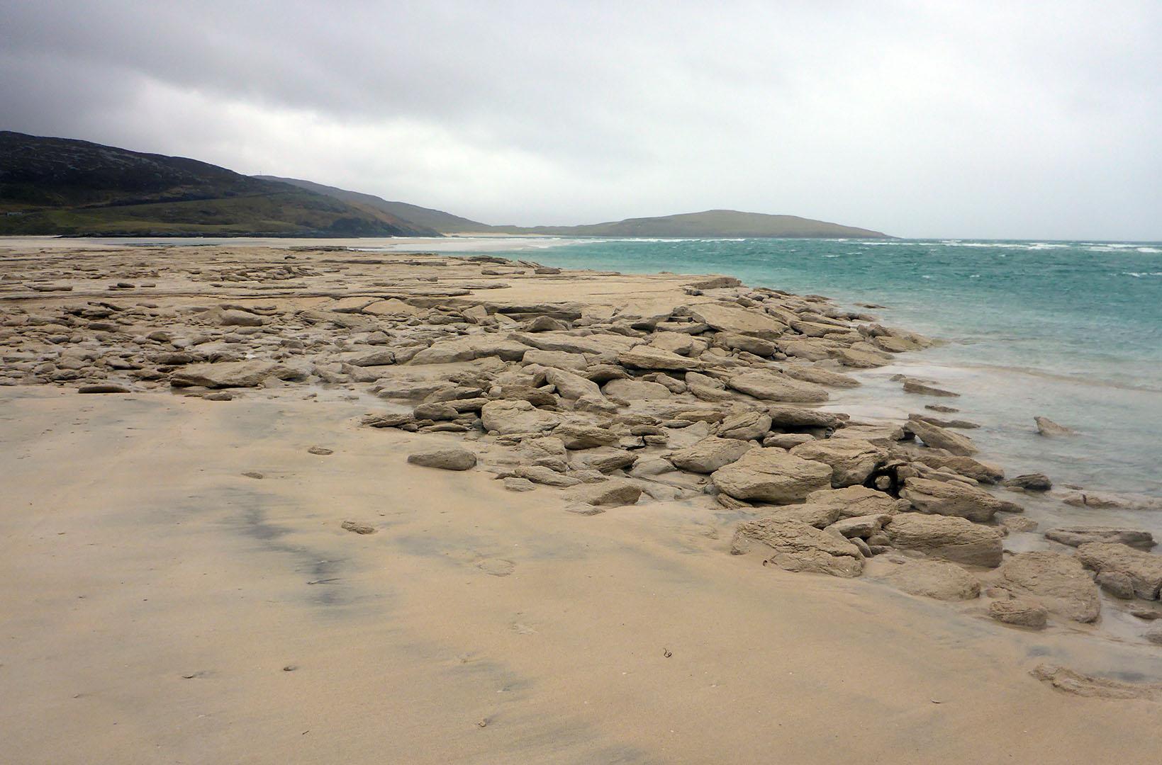 61 Seilebost sand boulders
