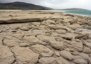 99 Seilebost sand boulders