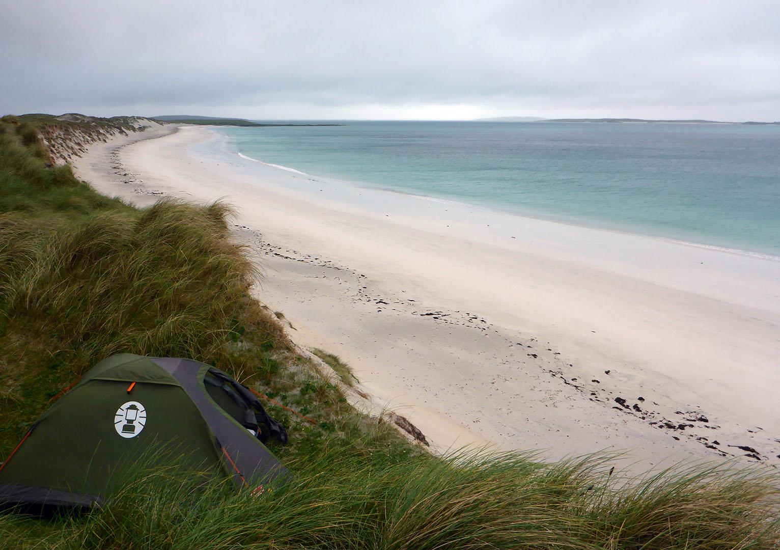 39 Tent in dunes