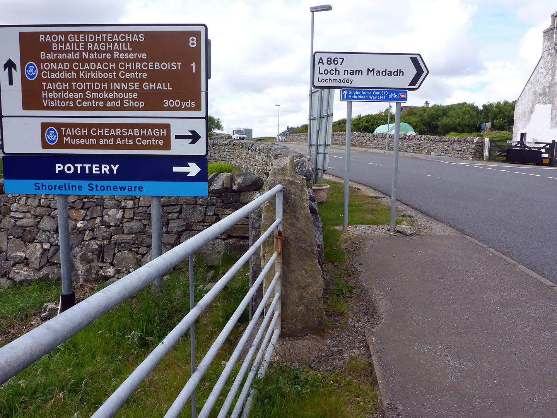 6 Road signs at Clachan