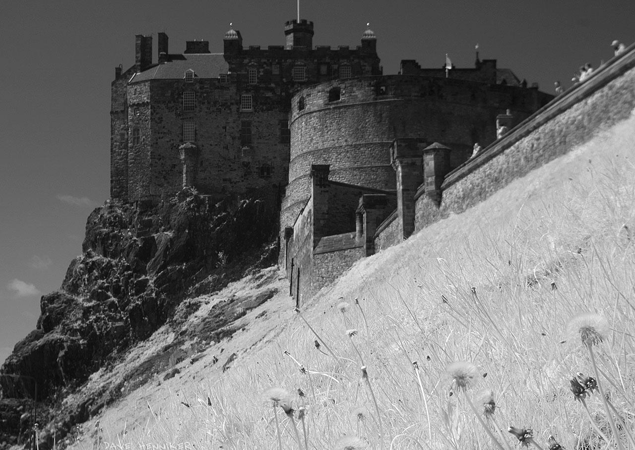 EdinburghCastleIR13