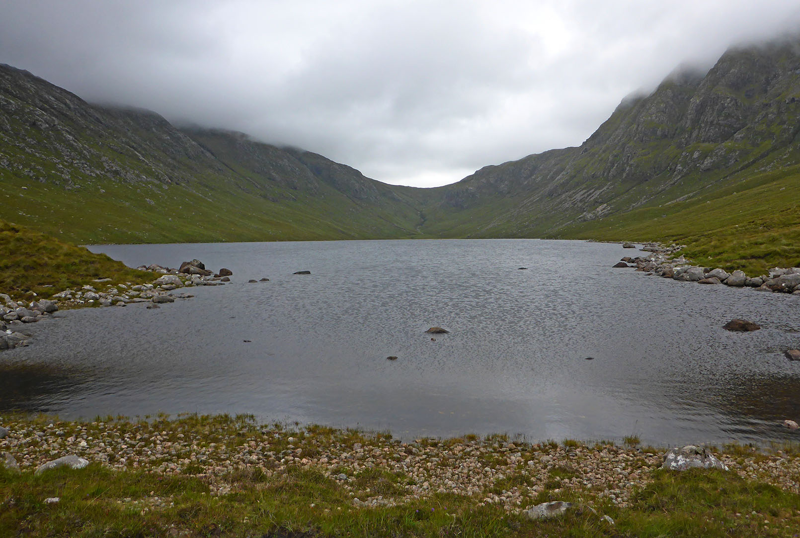 135 Loch a Ghlinne looking towards Ceartabhal & Huisabhal Mor