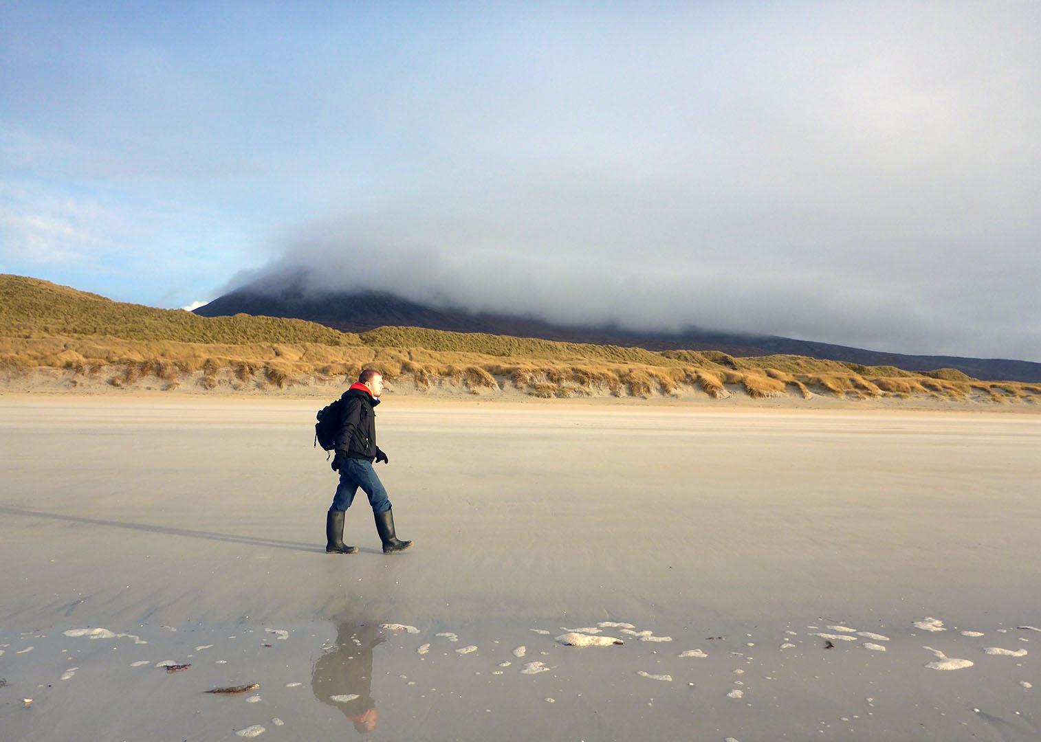 100 Jack Luskentyre dunes & Beinn Dubh in mist