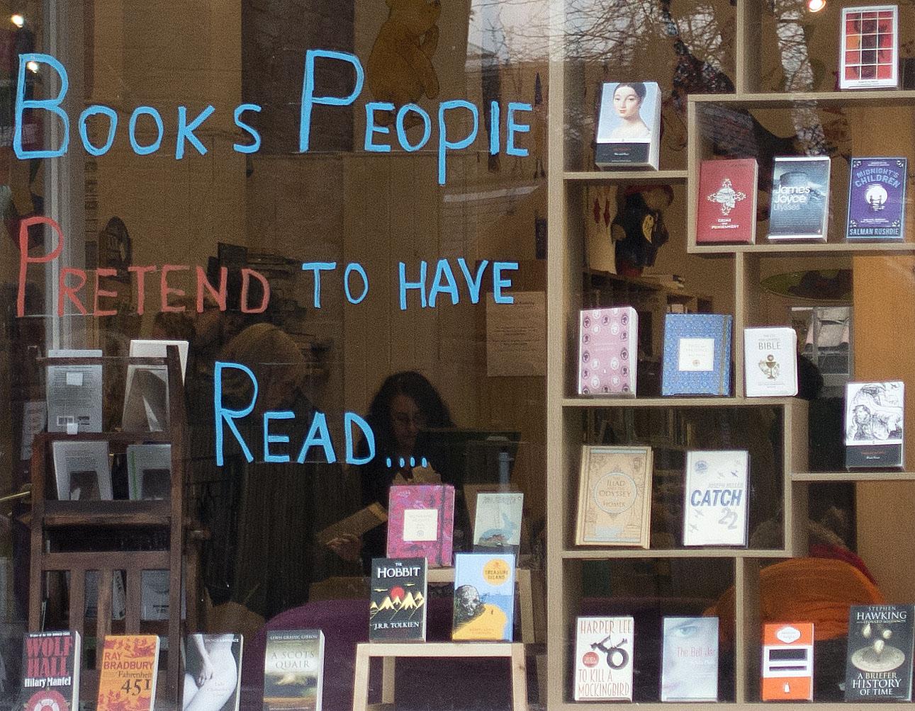 EdinburghBookshop04