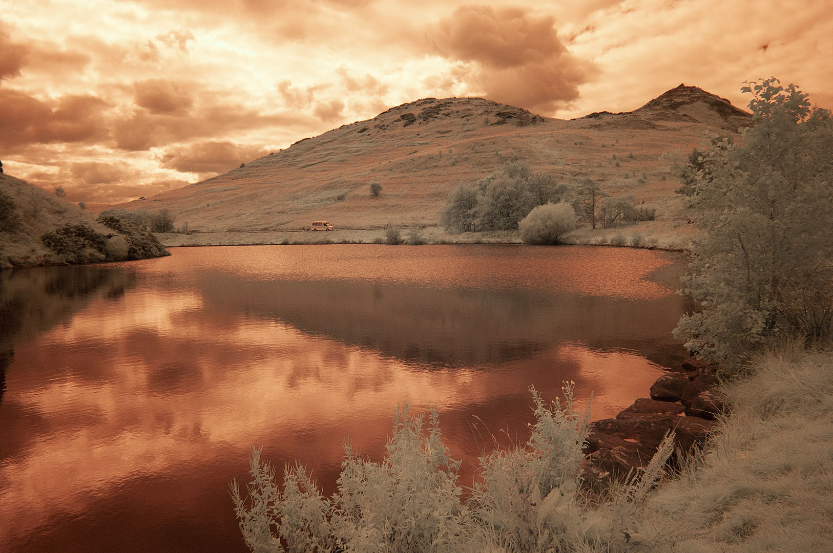 665NM Dunsapie Loch 00